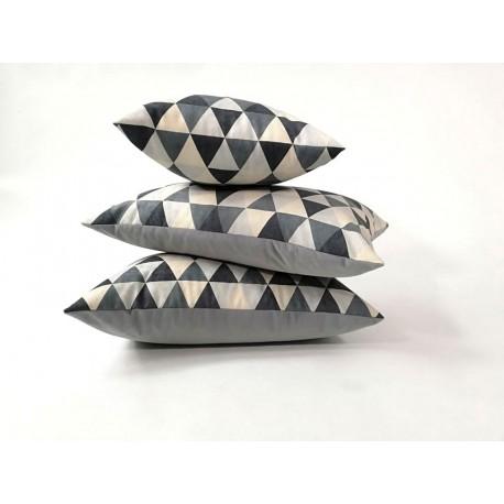 Poduszka dekoracyjna we wzory geometryczne   Rossi Furniture Komplet poduszek dekoracyjnych 3 sztuki !!!!