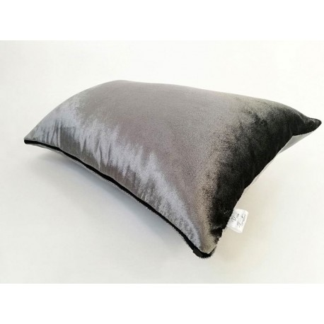 Poduszka Glass Velvet srebrna dekoracyjna od Rossi Furniture